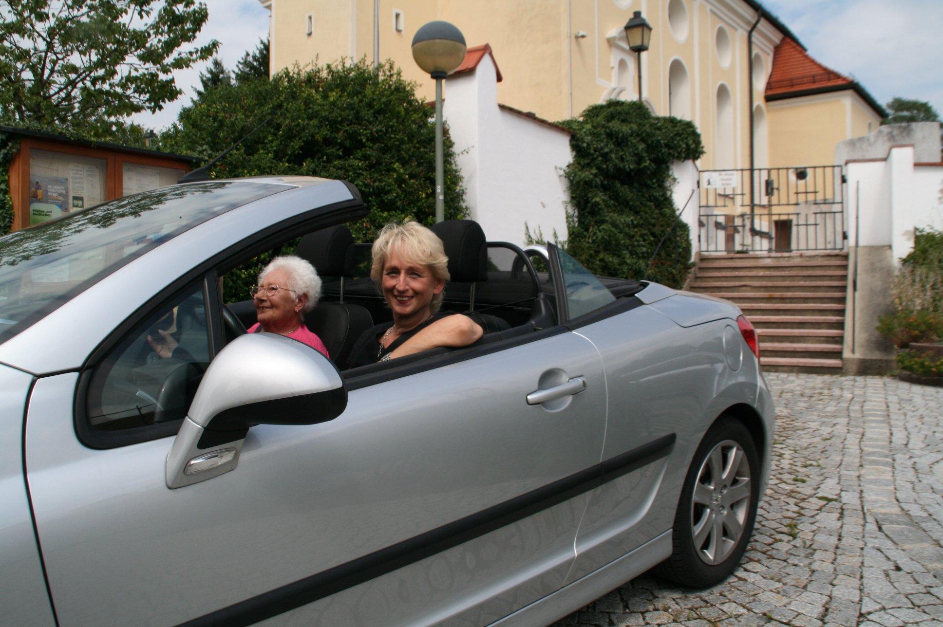 seniorenbetreuung-muenchen-lebensfreude-66-plus-cabrio-ausflug