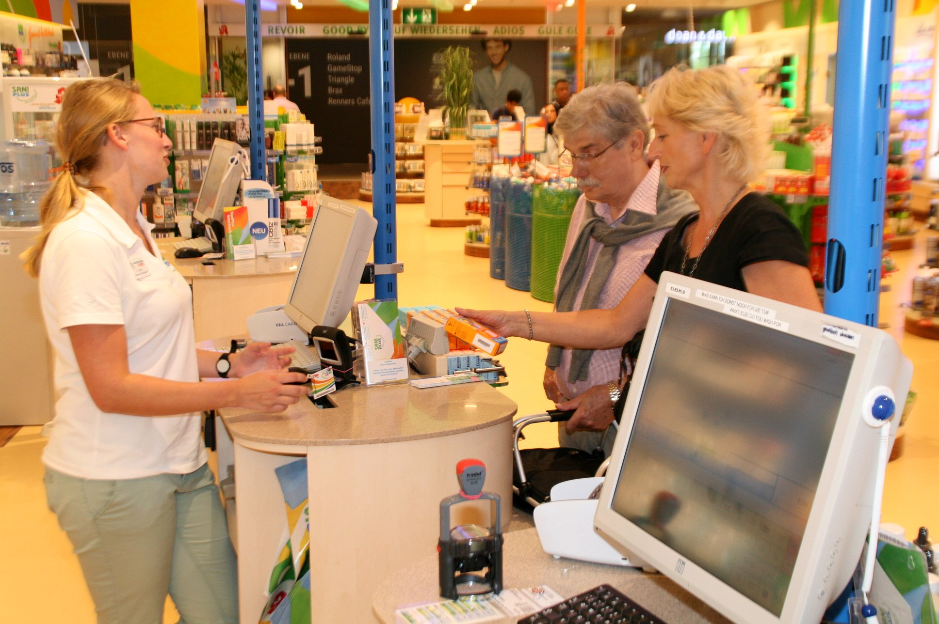 seniorenbetreuung-muenchen-lebensfreude-66-plus-medikament-einkauf